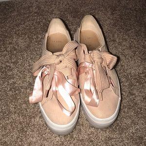 Baby Pink Bershka Flatform Sneakers